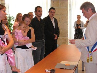 baptême civil d'un enfant à la mairie