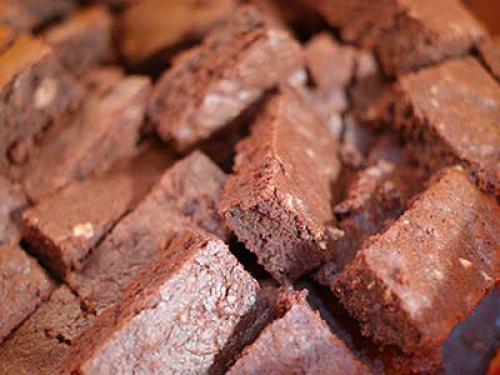 base de gâteau fondant au chocolat pour un gateau d'anniversaire