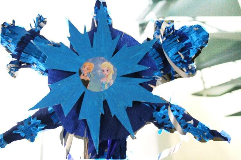Créer une pinata d'anniversaire reine des neiges