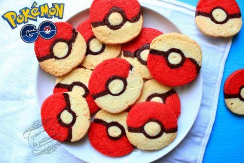 Biscuits d'anniversaire pokemon GO pokeball