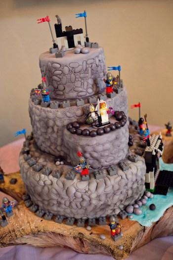 pièce montée forteresse lego