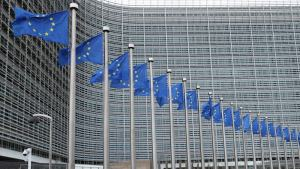 EU reveals sweeping climate plan, including internal combustion sales ban