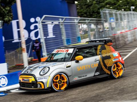 Electric MINI Pacesetter will be racing up the Goodwood Hill Climb