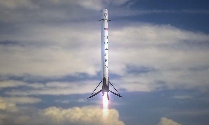 Elon Musk Kimdir