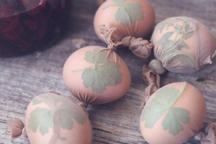 Ostereier färben mit Naturmaterialien (6)