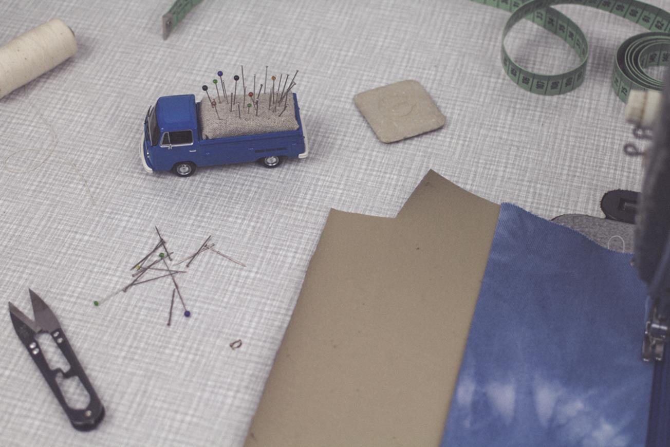 DIY Vintage Transporter Pin Cushion // Nadelkissen aus Vintage ...