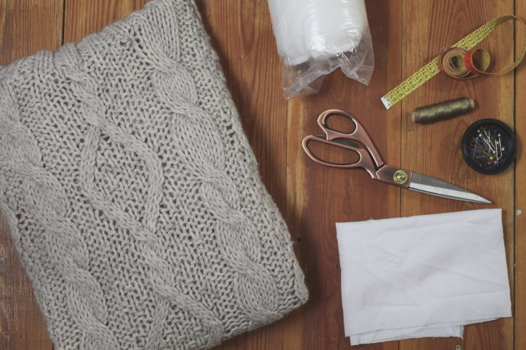 Upcycling Kissen und Tagesdecke via naehmarie.de
