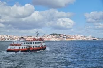 Le ferry qui effectue la traversée Cais do Sodre cacilhas