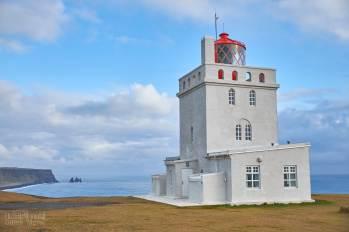 Le phare au sommet de Dyrhólaey