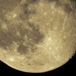 ニコンCOOLPIX P900で月を撮ってみたど