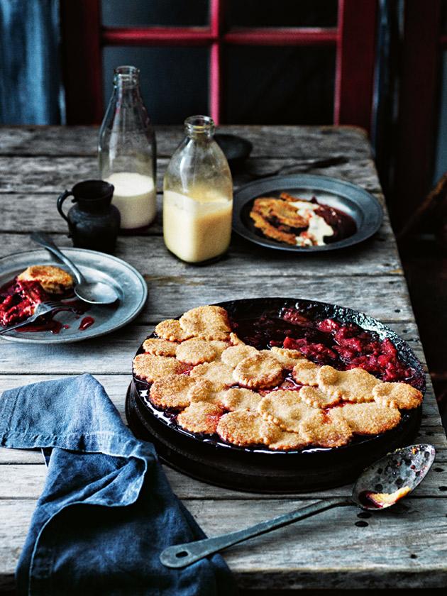 rhubarb_apple_rasberry_pie