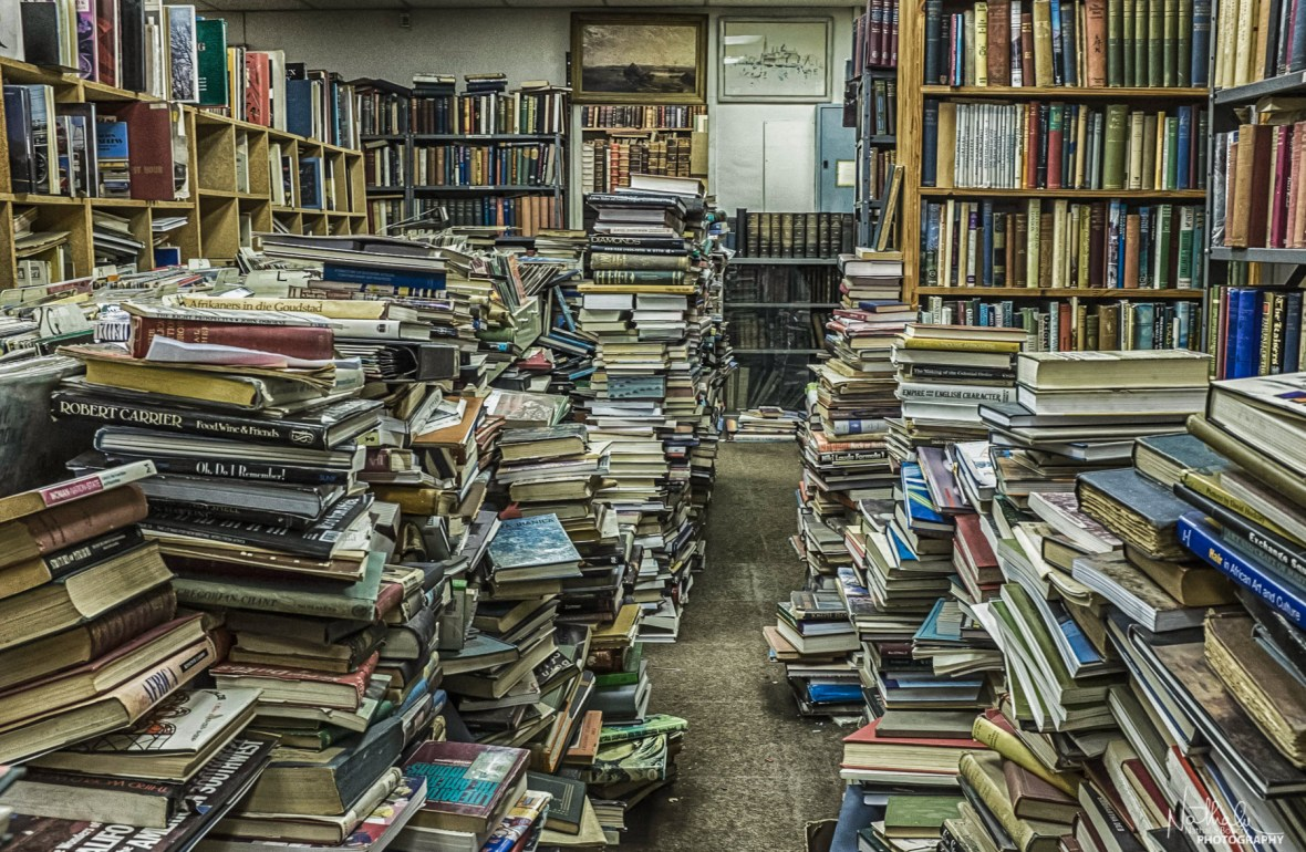 Book Forest | Commissioner Street, Johannesburg, South Africa | f8 1/30s iso4000