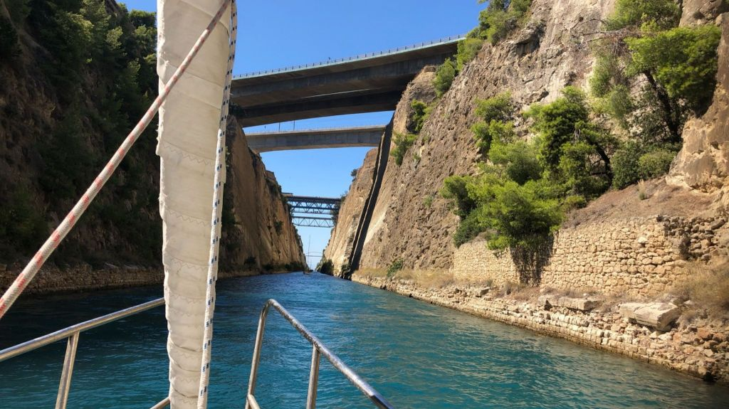 An alternative route to the Corinth Canal in Greece