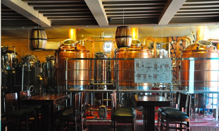Gurgaon!! 7 Barrel Brew Pub has Unlimited Brewed Beer for Just INR 475 and its totally LIT