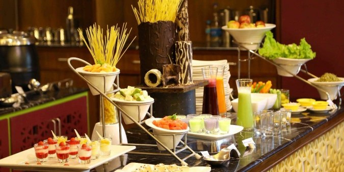 Mumbai!! Time To Relish The Best Ever Buffet In Your Budget