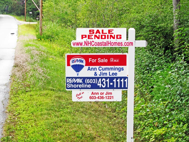 Ann Cummings and Jim Lee Real Estate Sale Pending Sign
