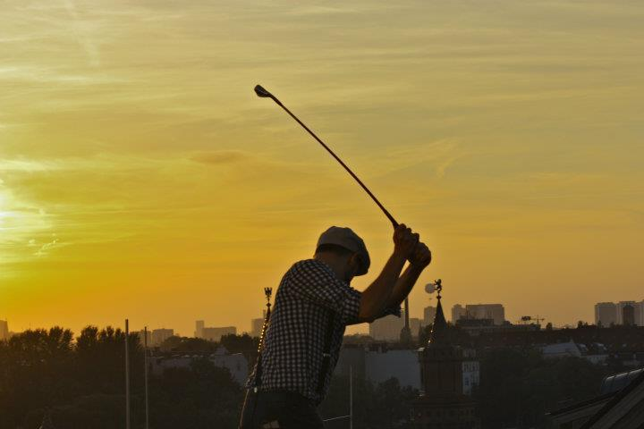golfing on the nhow rooftop terrace