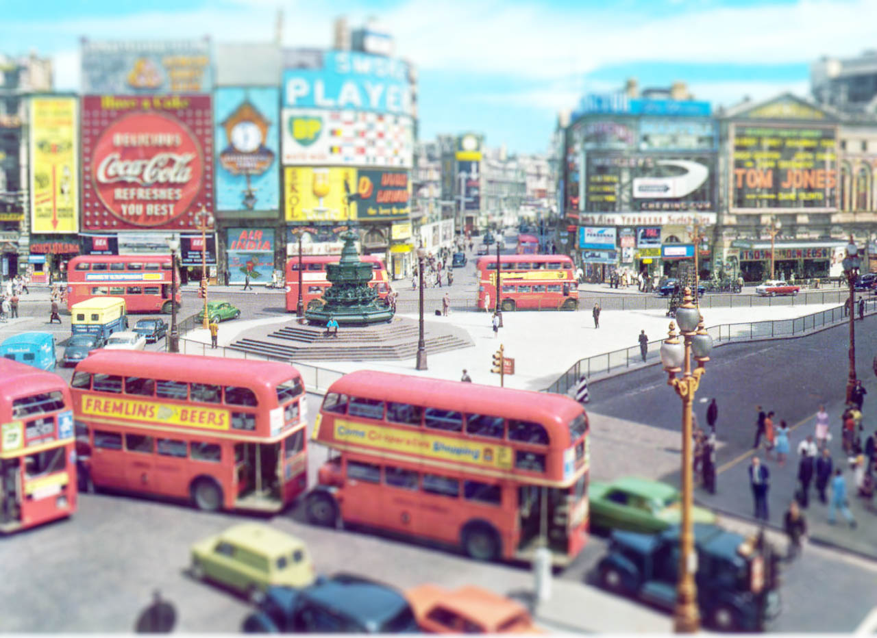Tilted Picadilly Circus