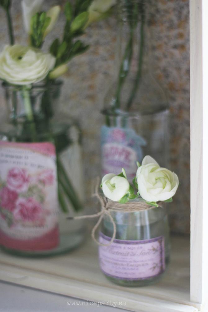Nice Party boda Quinta Illescas Mesa de firmas decoración tarros con flores vintage