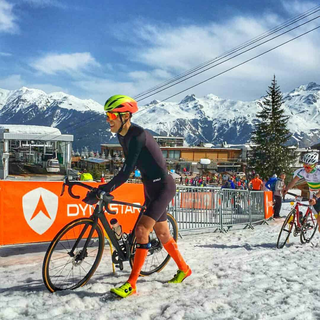 nicolas raybaud sur son tarmac specialized au triathlon dynastar X3 courchevel