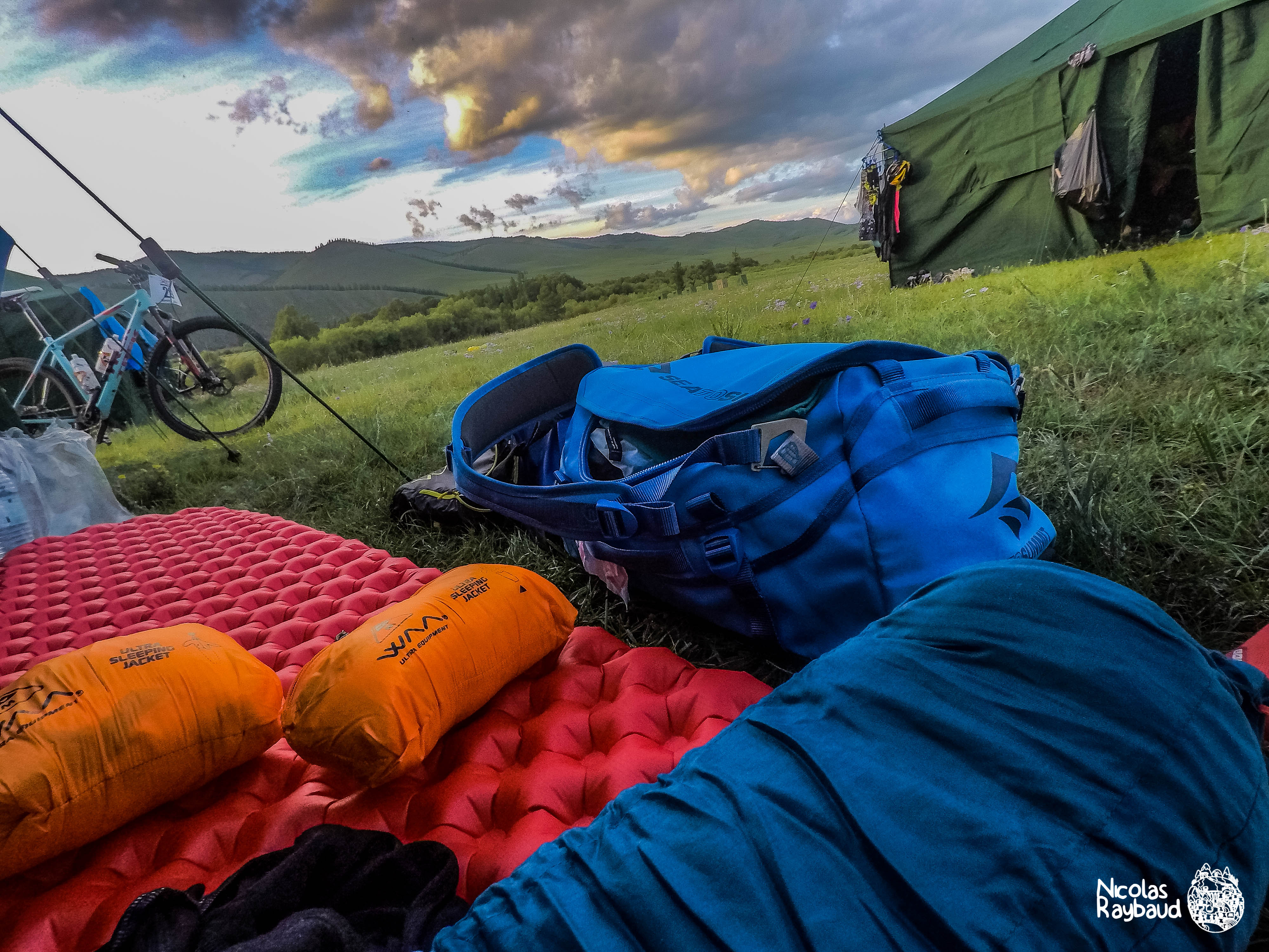 Mongolia Bike Challenge Nicolas Raybaud-waaultra sleeping bag-seatosummit-10