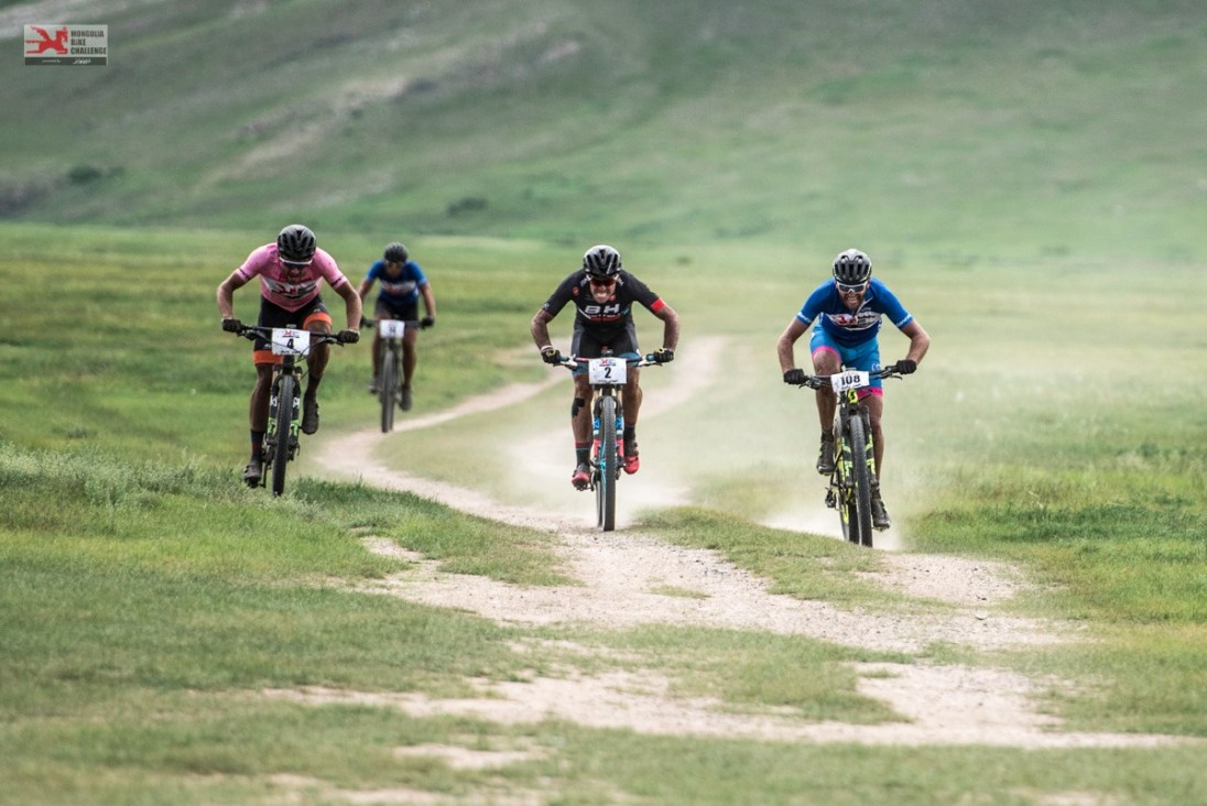 Mongolia Bike Challenge Sprint Nomad steppe