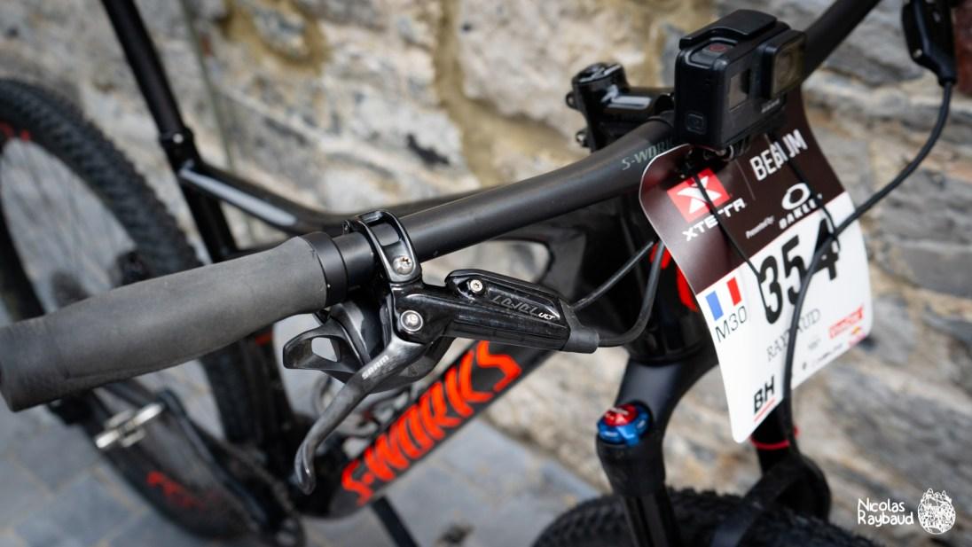 vtt specialized sporks epic utilisé pour le xterra belgium avec une caméra gopro pour filmer et diffuser le parcours sur kinomap