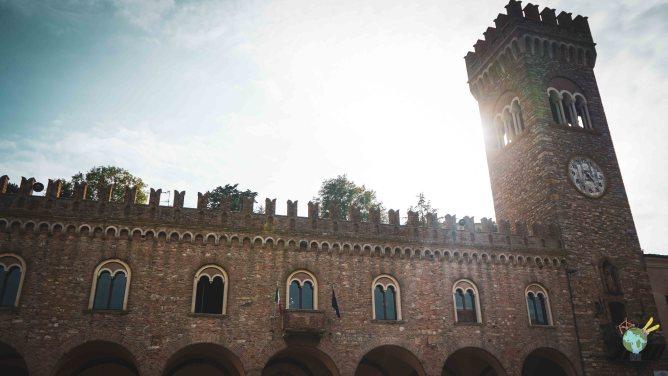 le palais communal du village de bertinoro