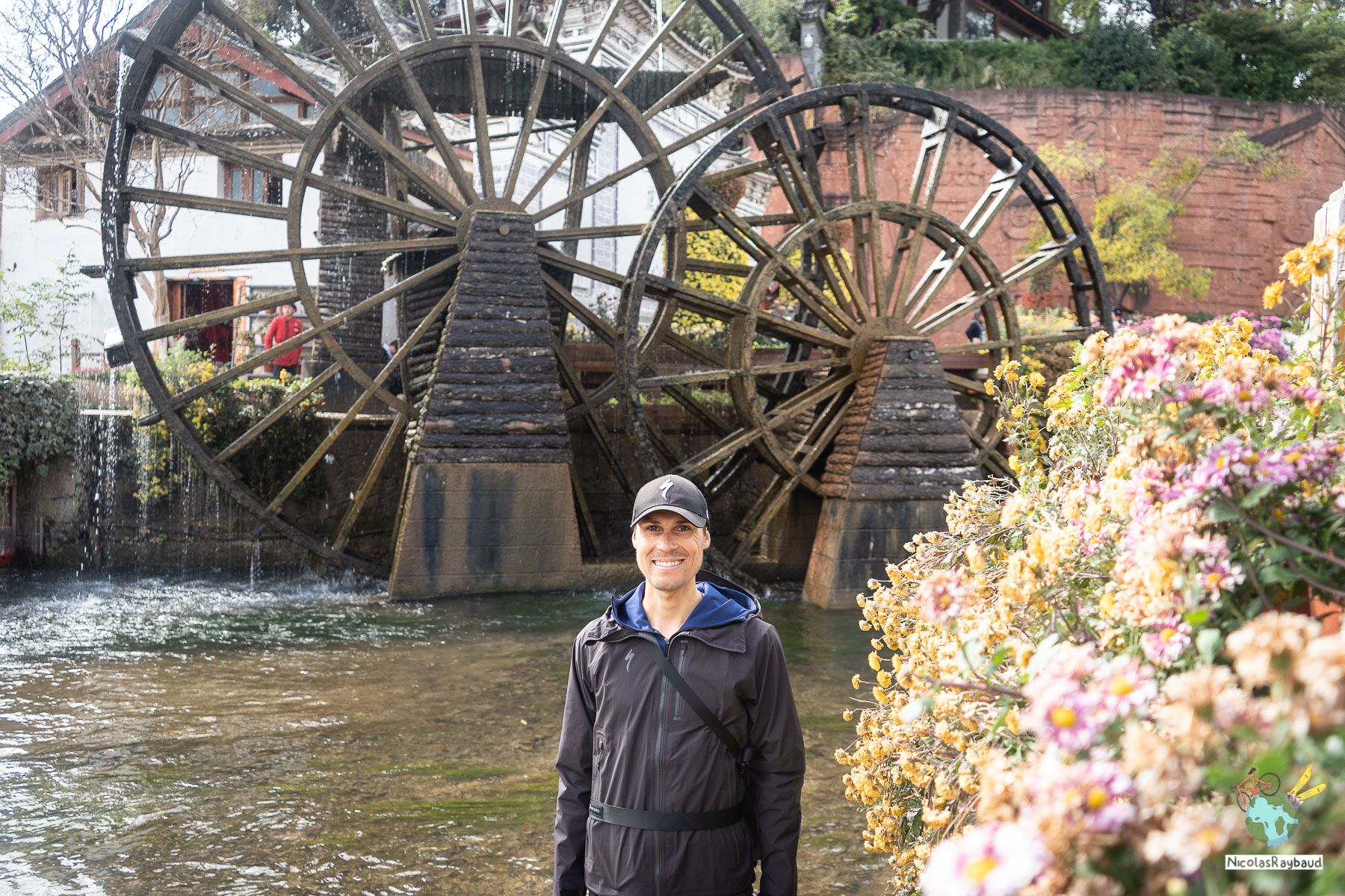 water wheel in lijiang