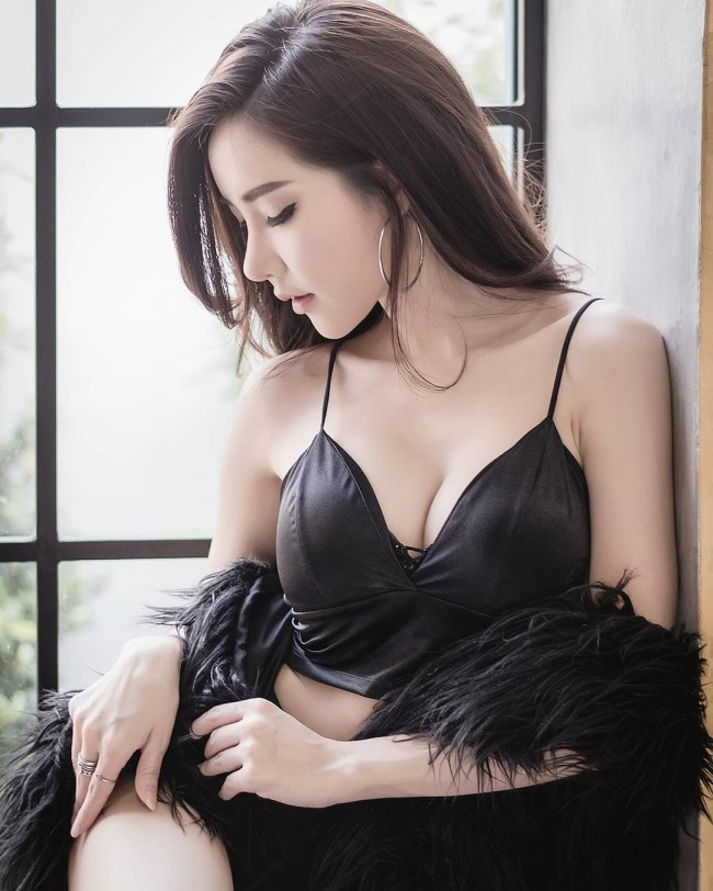 软妹:泰国第一性感美女,这个美艳的姑娘是个学设计的女孩