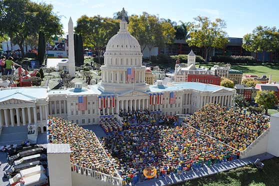 Obama Inauguration, Legoland (http://www.flickr.com/photos/88017382@N00/3208099268/)