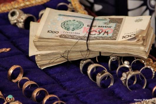 Im Bazar findet man mit etwas Glück auch antike Schmuckstücke