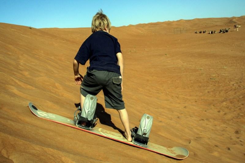 Oman: Snowboard Wüste (P. Valentin)