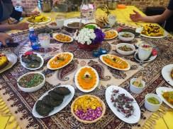Vorspeisen auf persisch - stilecht auf einer Sofreh serviert