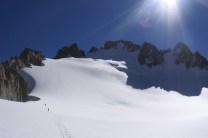 Kirgistan: Trekking im verschneiten Gebirge