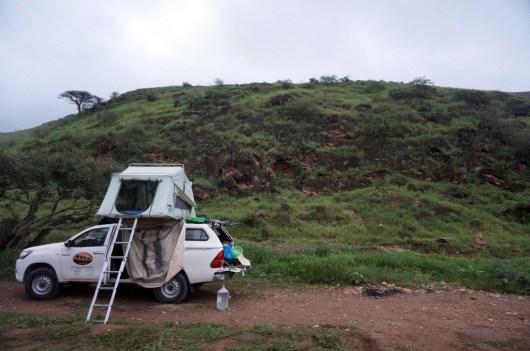 Auch im Sommer sind Salalahs Berge grün