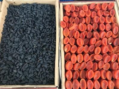 Getrocknete Rosinen und Aprikose
