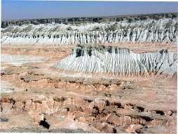 Kalkstein-Formationen im Yangi Kala