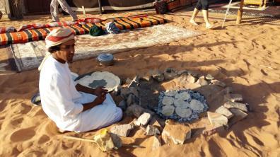 traditionelles Frühstück im Wüstencamp