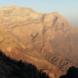 Eseltrekking im Nordoman - Farbveränderungen im Hajjar Gebirge
