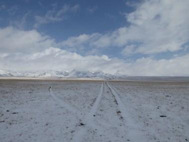"""Pass-""""Straße"""" im kirgisischen Gebirge"""