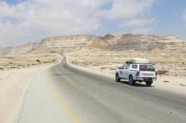 nomad Mietwagen auf dem Weg nach Muscat