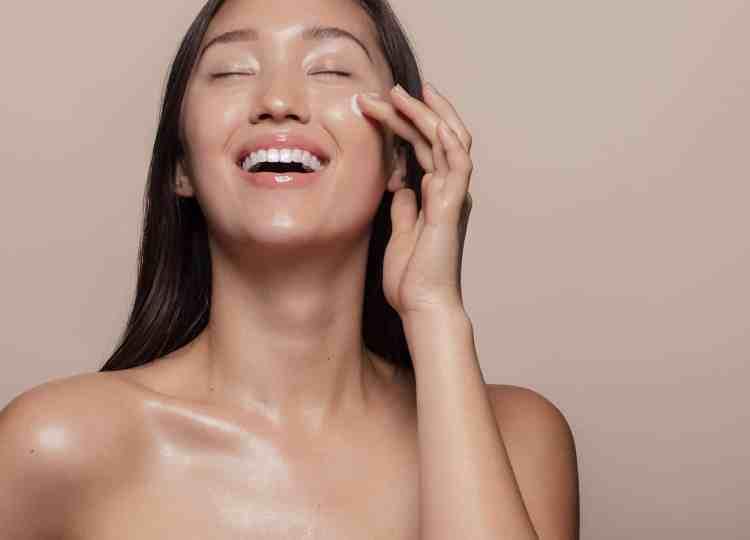聽說A醇是抗老除皺聖品,但會讓肌膚變薄? 一次弄懂A醇實現無瑕美肌!