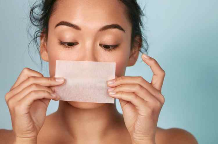 吸油面紙越吸越油?肌膚還會變乾燥?吸油面紙這樣用!輕鬆跟油光說掰膚質立馬Level Up!