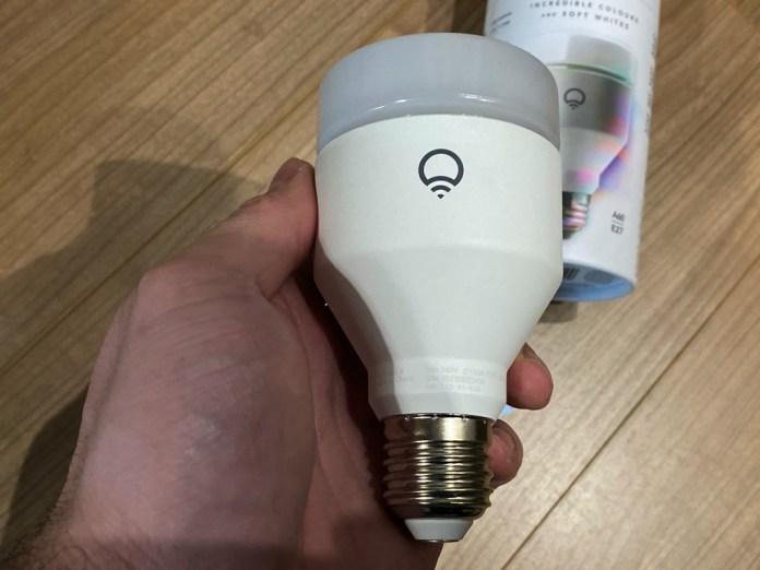 lifxa60e27-9550-1000x750 Test de l'ampoule LIFX A60 E27