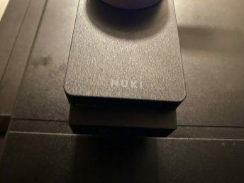 power-pack-nuki-9057-scaled Nuki Power Pack donne de l'autonomie à votre serrure connectée