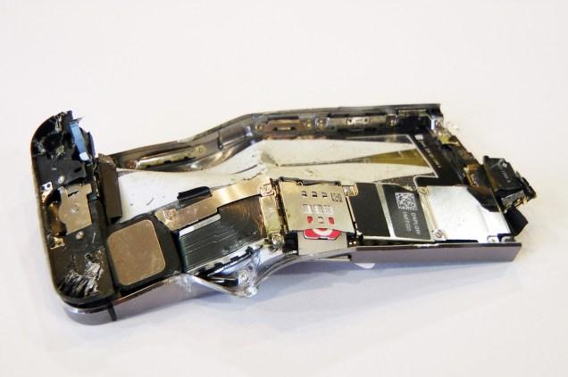 4.Geschreddertes Smartphone