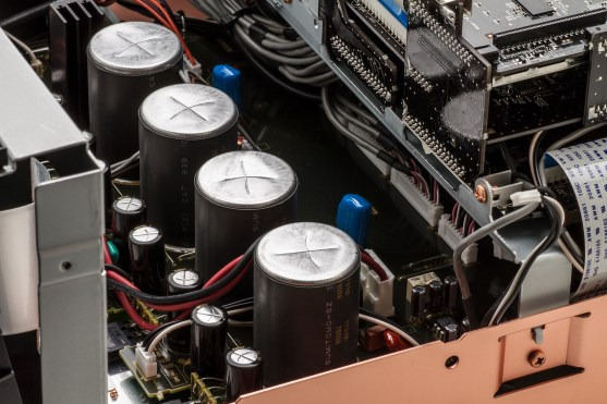 AV8805_4x_Custom_Block_Capacitors_1