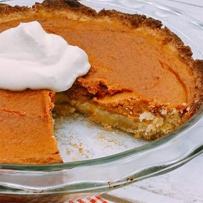 An image of keto pumpkin pie —a staple keto dessert recipe for the holidays