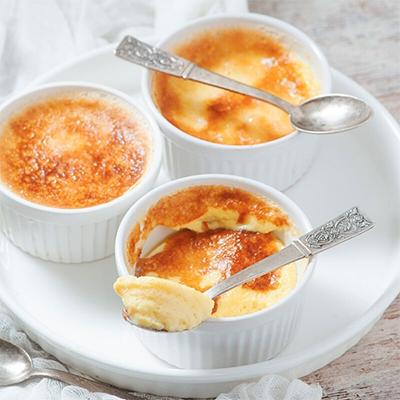 An image of the ultimate Keto Crème Brûlée —a delicious keto dessert recipe for the holidays